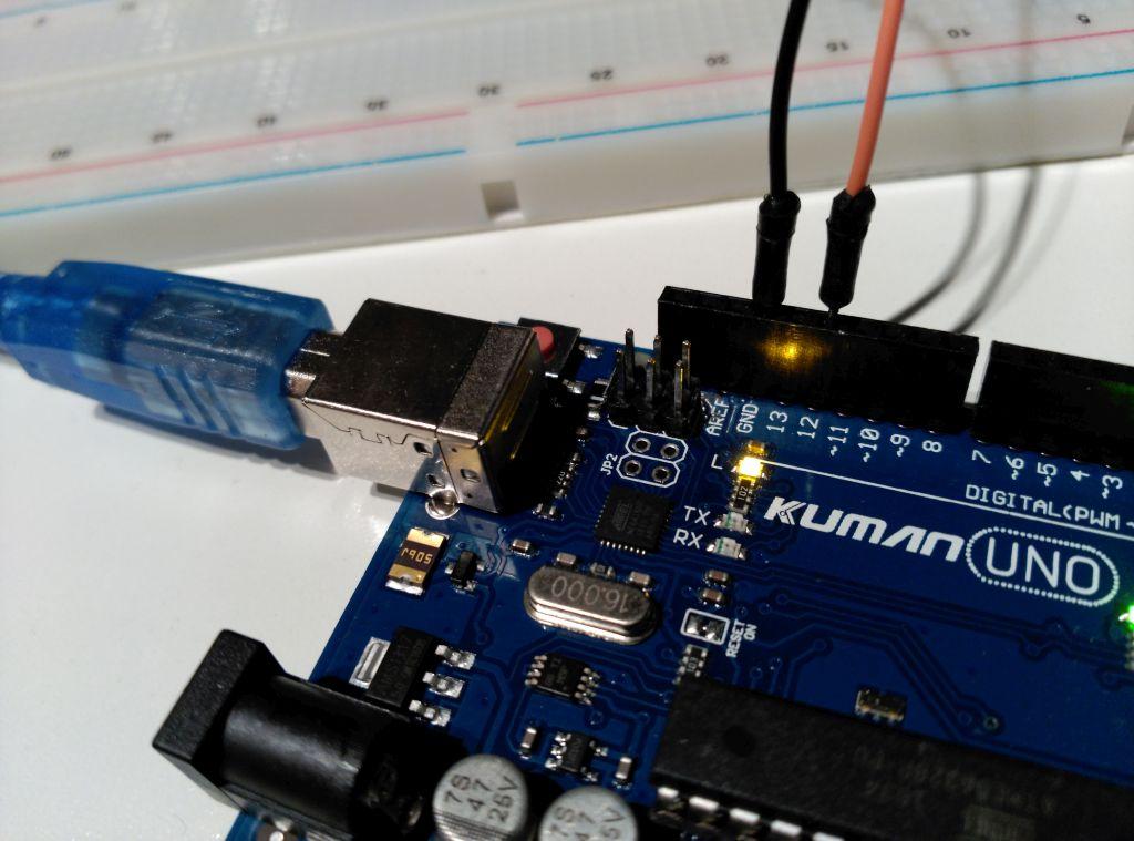 Circuito de encendido de LED: conexión a la placa